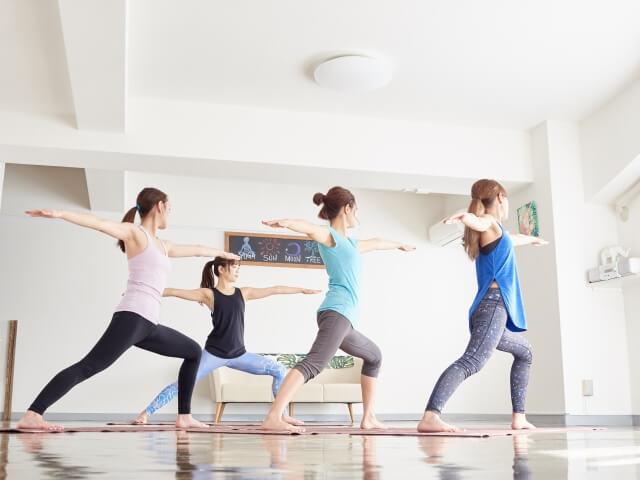 めちゃくちゃ伸びる 腸腰筋のストレッチの方法3選!