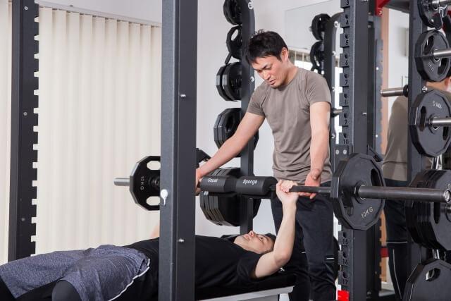 ウエイトトレーニングで瞬発力を上げる方法は?