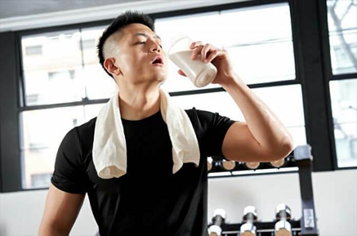 【男性初心者必見】筋トレ後に飲みたいおすすめホエイプロテイン7選